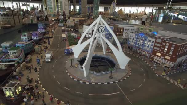 Výstava makety Deira z Lego kusů v Minilandu Legoland v Dubaji a Eisnerův odchod stopáže videa