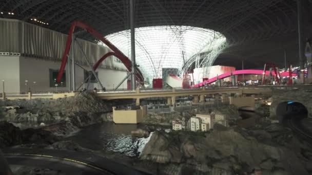 Výzva Rc atrakci v zábavním parku Ferrari World Abu Dhabi stopáže videa