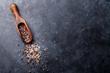 Peppercorn and salt spices