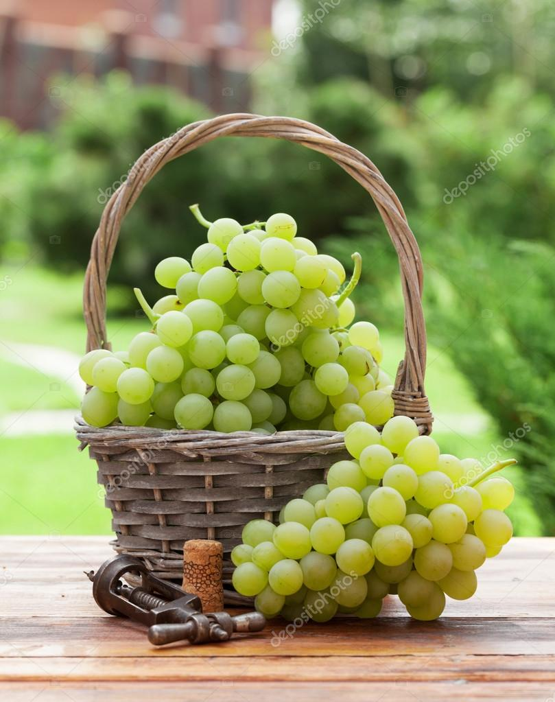 Grapes In Basket Pictures