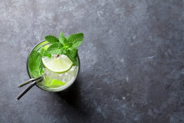 Mojito cocktail on table