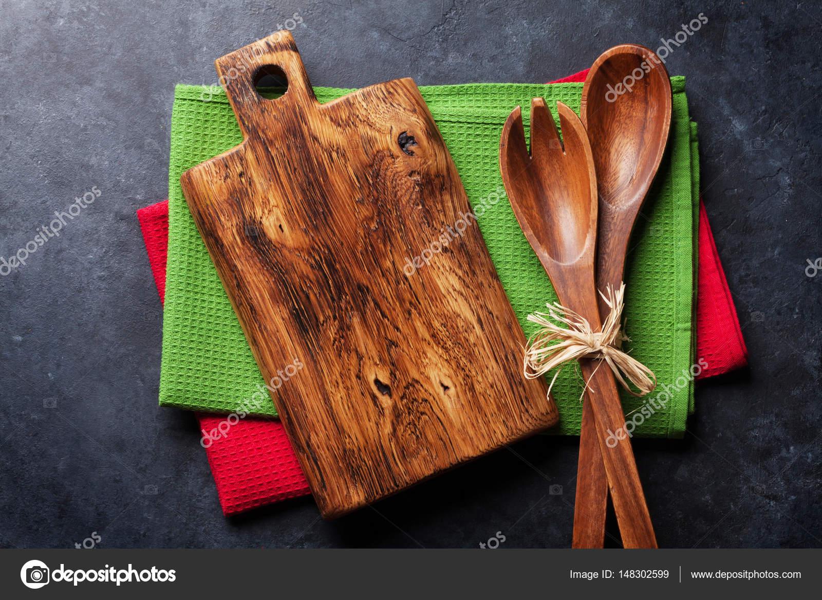Vecchi utensili da cucina dell\'annata — Foto Stock © karandaev ...