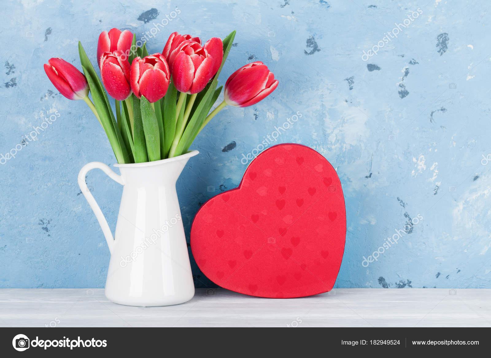 Lampada Fiore Tulipano : Mazzo fiori tulipano rosso brocca cuore scatola regalo cartolina