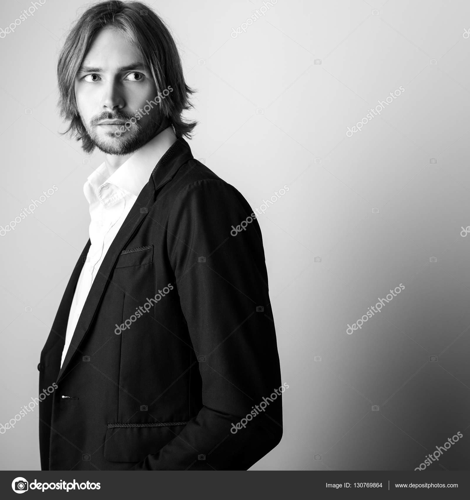 Cheveux long blanc homme
