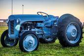 Dávných islandských traktor. Retro zemědělské stroje