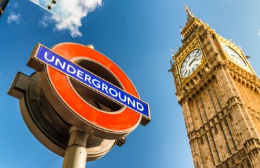 LONDON - SEPTEMBER 25, 2016: London underground symbol under Big