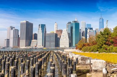 Lower Manhattan skyline from Brooklyn Bridge Park