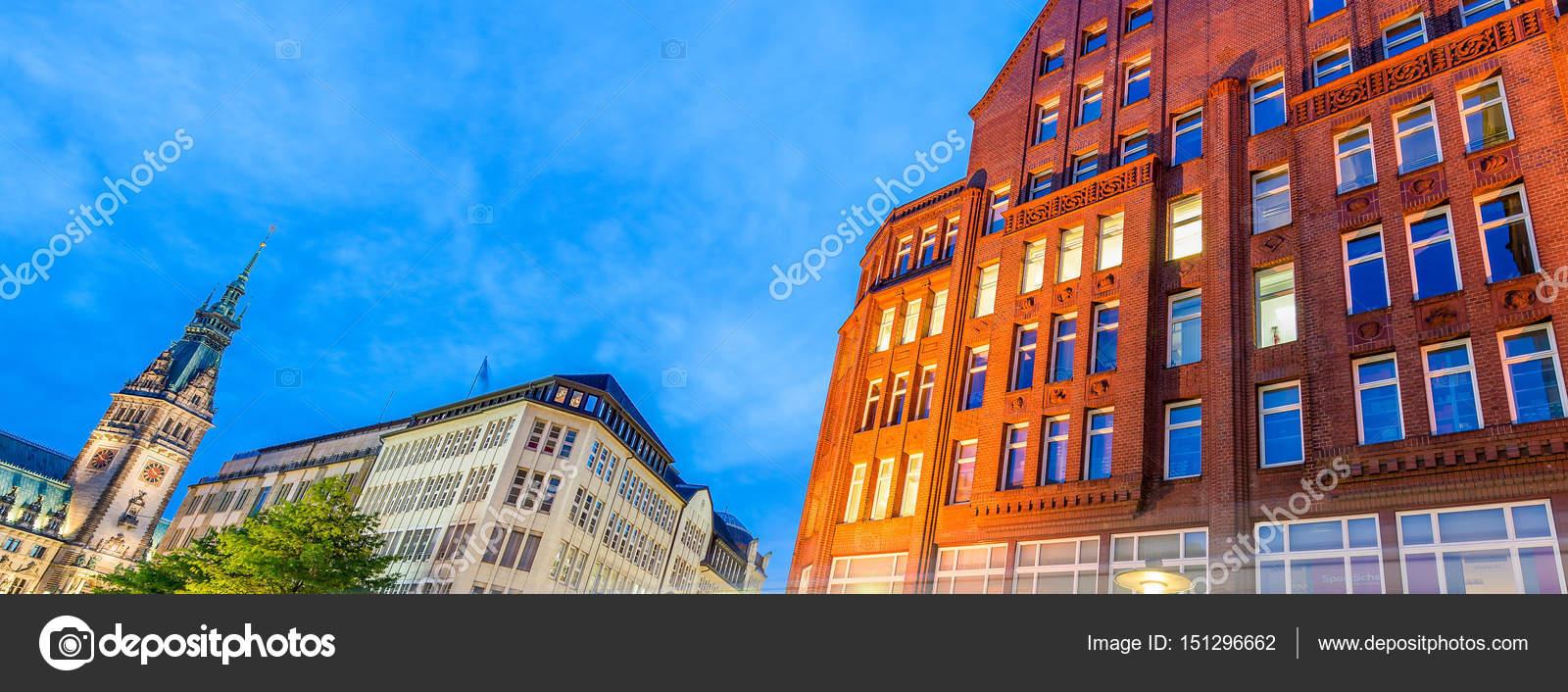 Der Stadt Hamburg straßen der stadt hamburg in der nacht stockfoto jovannig 151296662