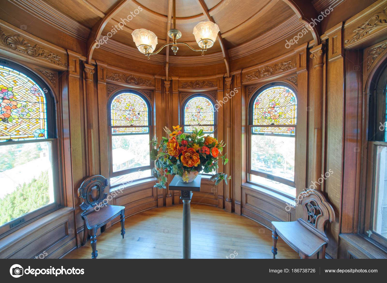 Victoria Canadá Agosto 2017 Interior Con Muebles Viejos Castillo ...