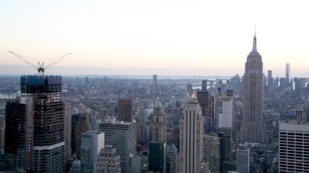 NEW YORK CITY, USA - 7. prosince 2018: Letecký pohled na Midtown při západu slunce, Manhattan, New York City, USA
