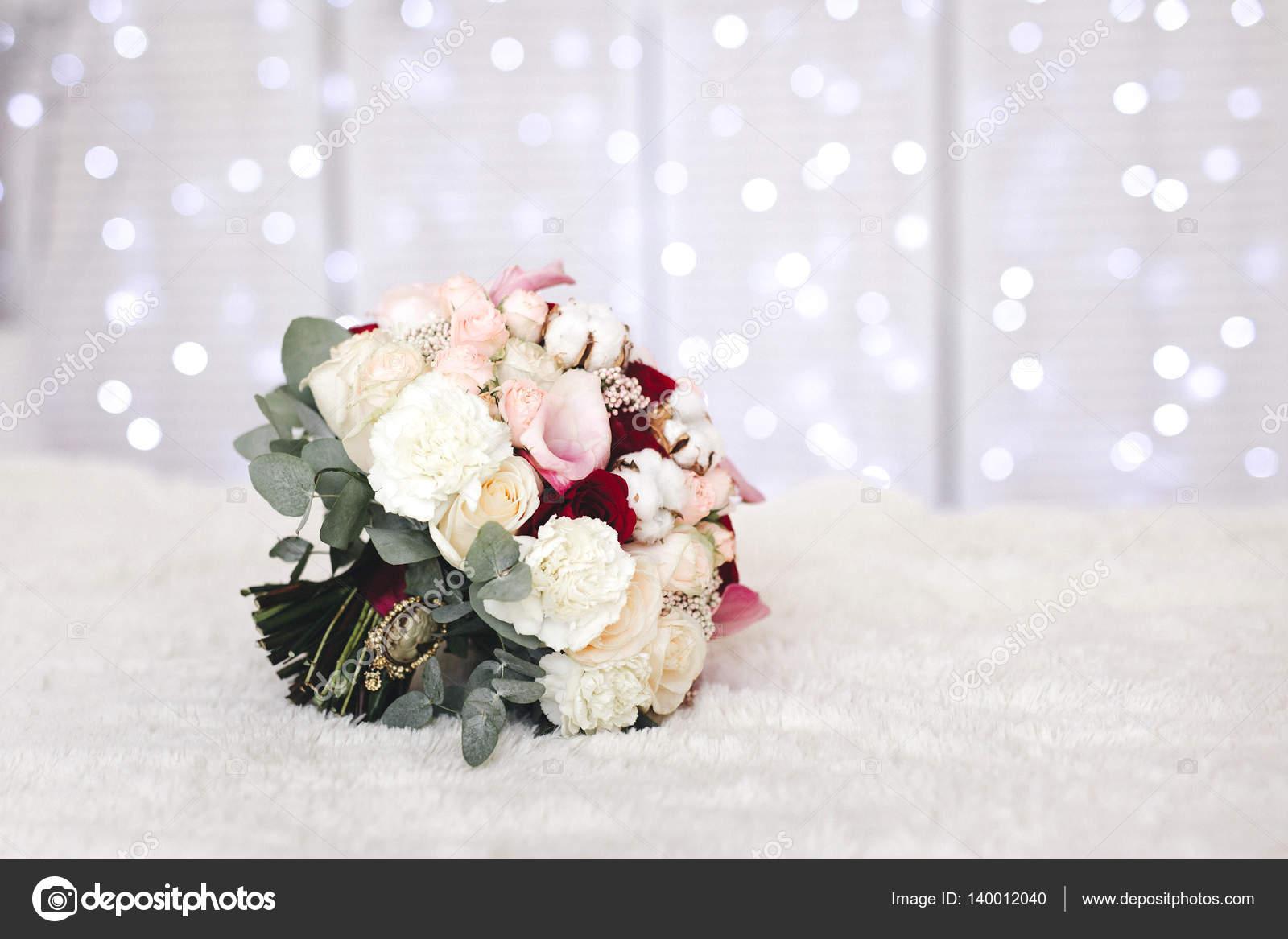 Pink wedding bouquet with cotton flowers — Stock Photo © Anasteisha ...