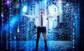 Podnikatel se raduje s futuristickou pozadím