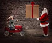 Fotografie Erstaunt Kind beobachten Santa Claus