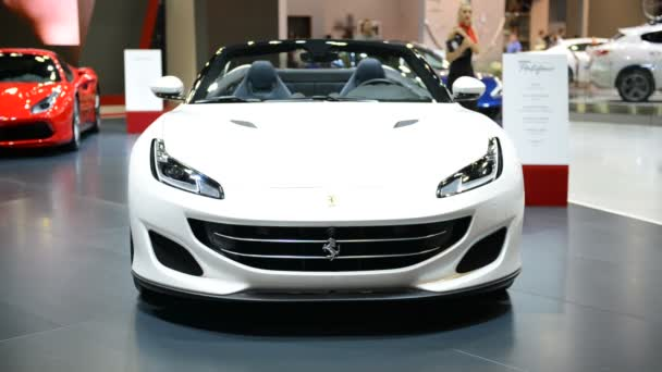 Dubaj, Spojené arabské emiráty - 17. listopadu: The Ferrari Portofino sportovní vůz je v Dubaji Motor Show 2017 na 17 listopadu 2017