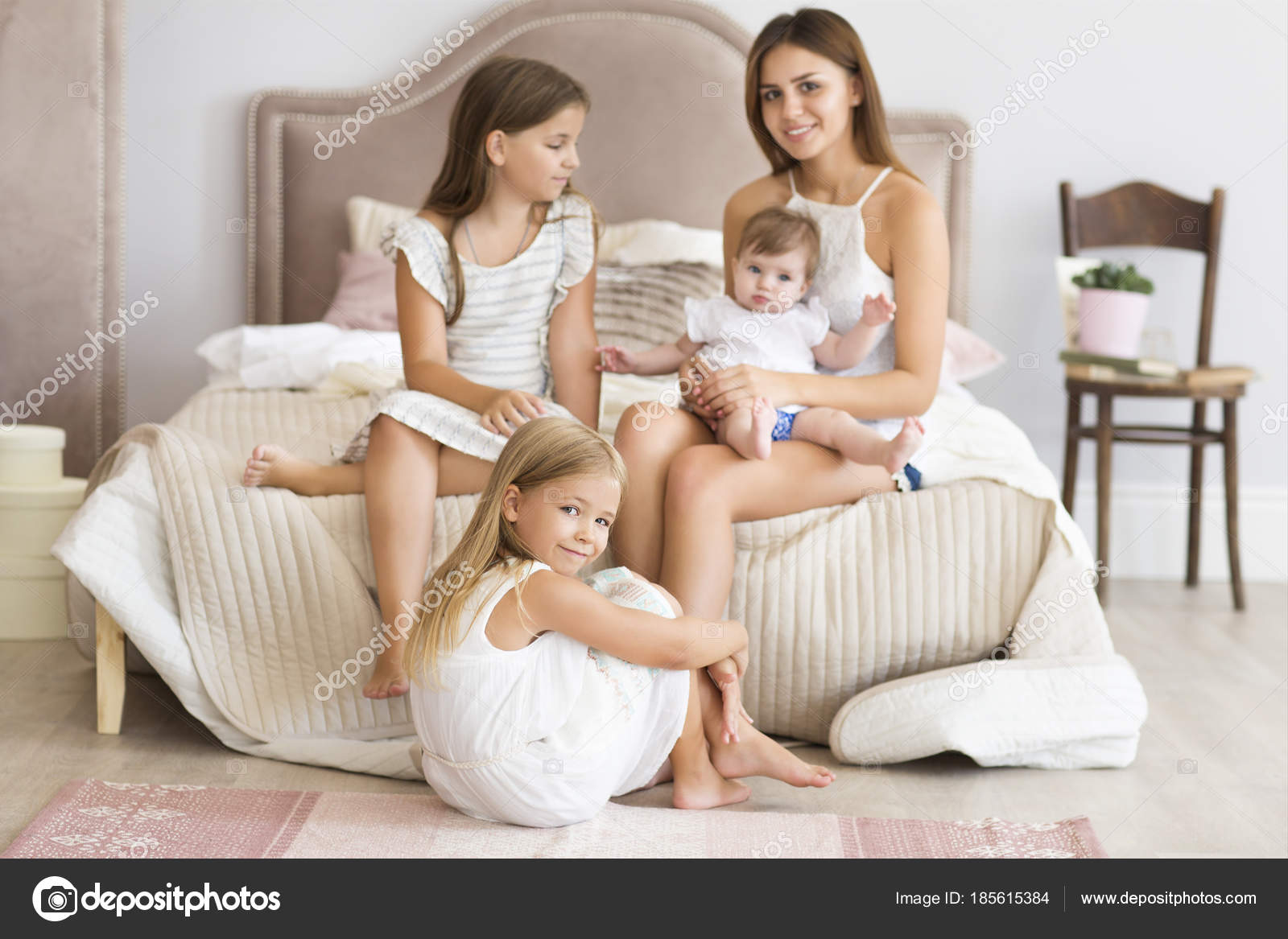 Portrait Of The Four Sisters. Love And Happiness Concept U2014 Stock Photo