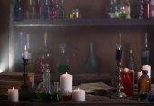 Mágikus főzet, ősi könyvek, gyertyák