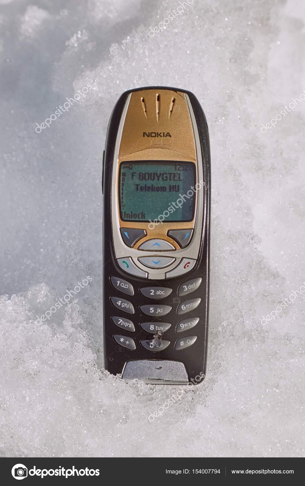 Old Nokia Mobile Phone Stock Editorial Photo C Gudella 154007794
