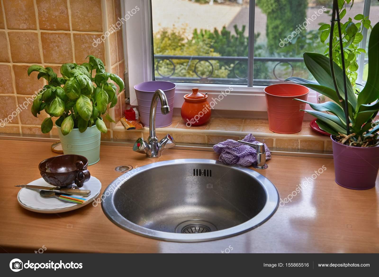 Aufgeraumte Kuche Detail Stockfoto C Gudella 155865516