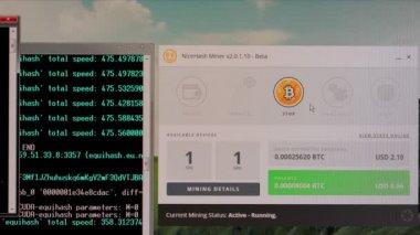 Bitcoin bányászat egy asztalon