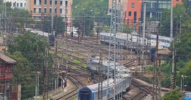 Így az állomás utas vonat