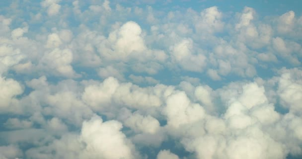 Létající mezi mraky