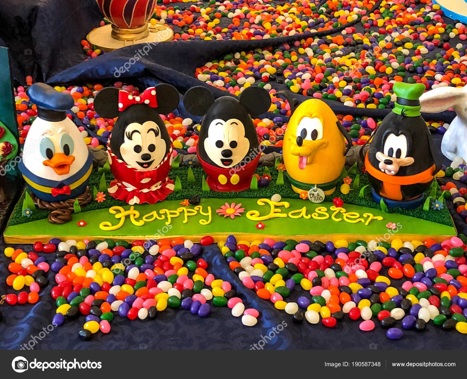 Oeufs De Pâques Au Chocolat De Disney De Orlando, Floride   29 Mars 2018    Disney World Beach Club Resort U2014 Image De ...