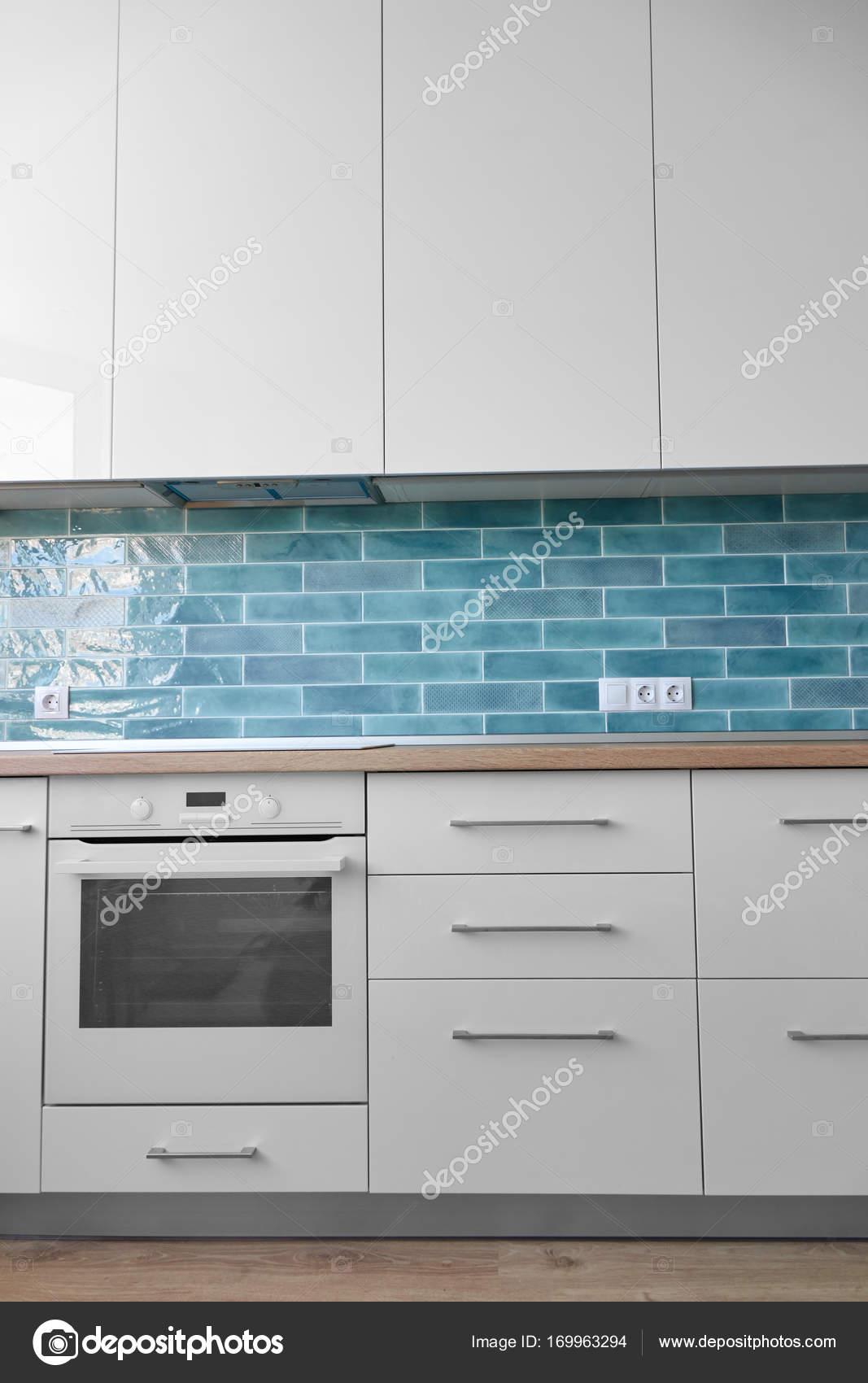 Schone Moderne Kuche Stockfoto C Artjazz 169963294