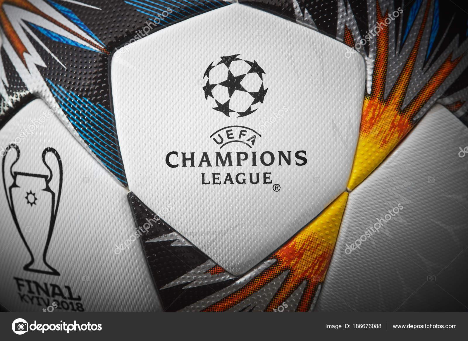 Kiev Ukraine Février 2018 Uefa Champions League Match Ball Ballon ... 4c7d1fbc83518