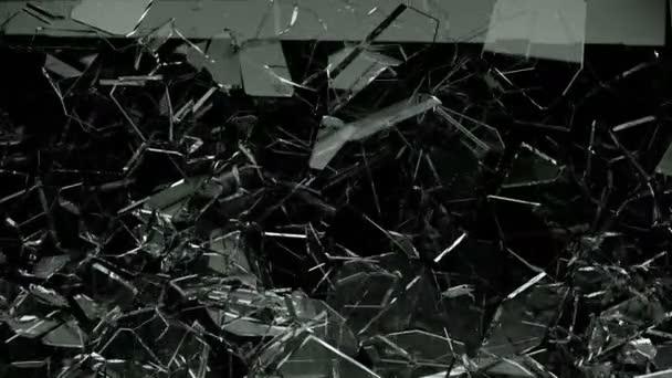 rozbité a rozbité sklo s zpomalené
