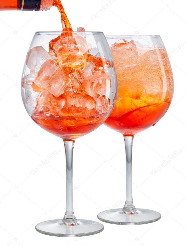 zwei gl ser cocktail aperol spritz stockfoto zmaris 154611948. Black Bedroom Furniture Sets. Home Design Ideas