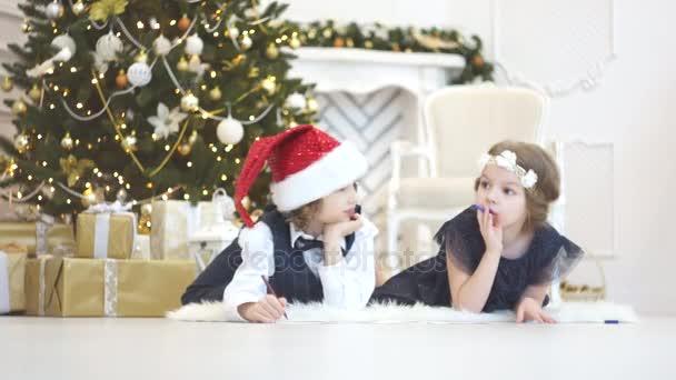 Děti psát dopisy Ježíškovi. Pro děti je veselá.