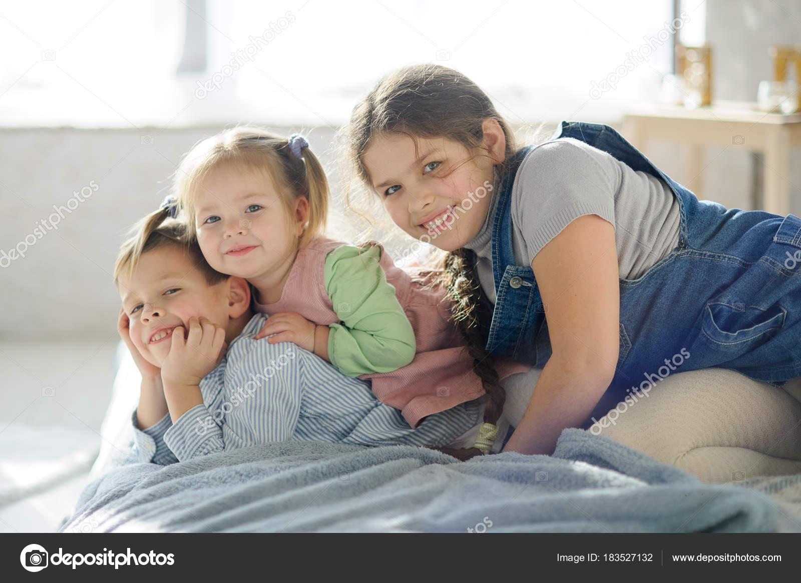 Русское брат кончил в сестру, Брат зашёл к сестре))) смотреть онлайн видео брат 12 фотография