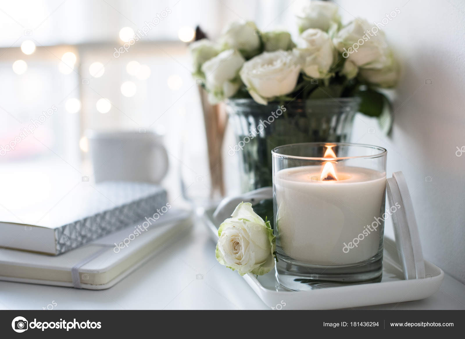 décoration de salle blanche avec gravure bouq et bougies faites à la