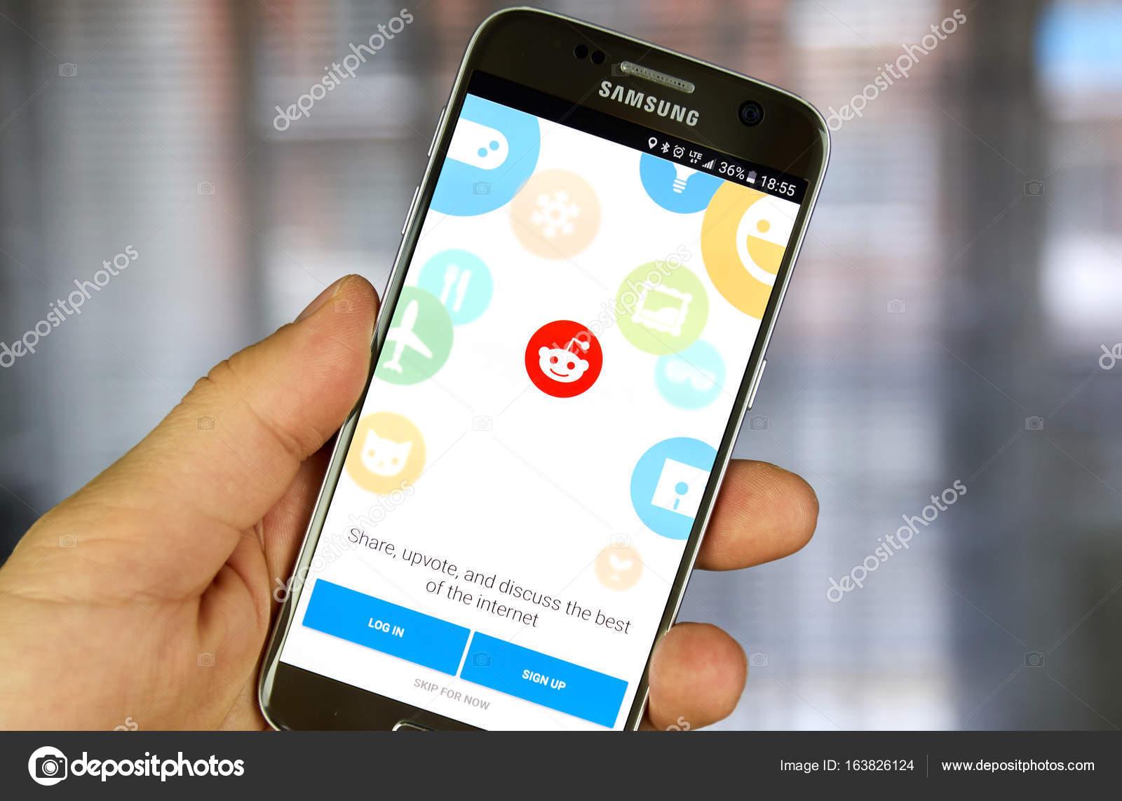 Reddit app on Samsung S7  – Stock Editorial Photo © dennizn #163826124