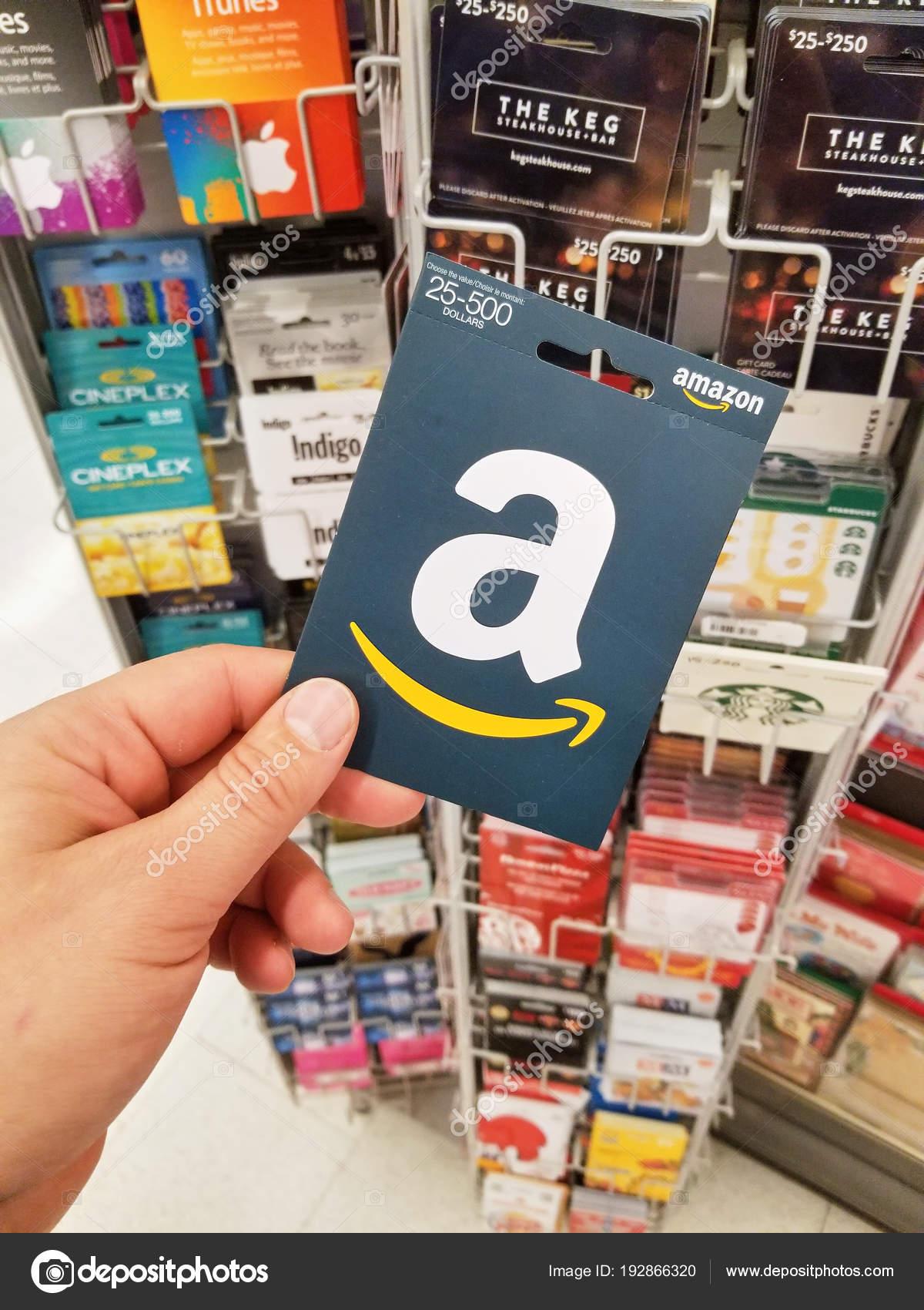Amazon Gutschein Karte.Montreal Kanada November 2017 Amazon Gutschein Der Hand Auf