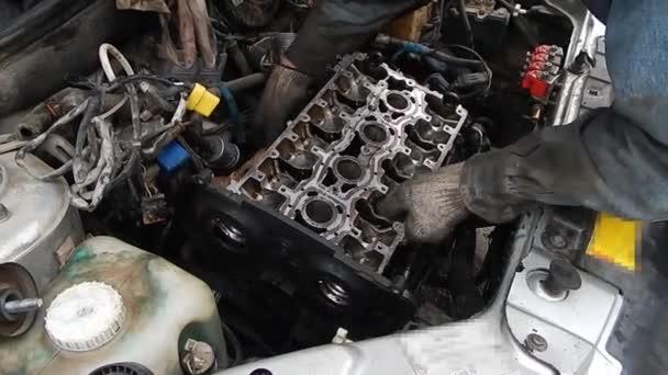 Belső égésű motor javítása. Motorszerelvény.