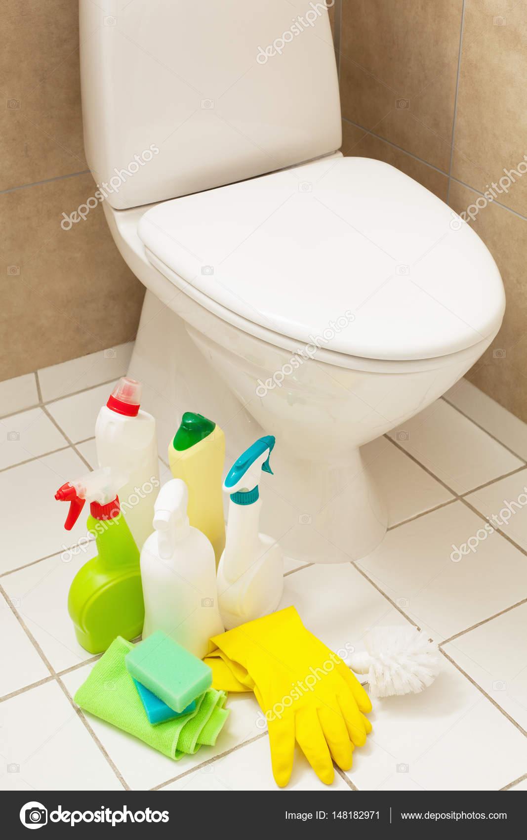 schoonmaak artikelen handschoenen borstel witte WC kom badkamer ...