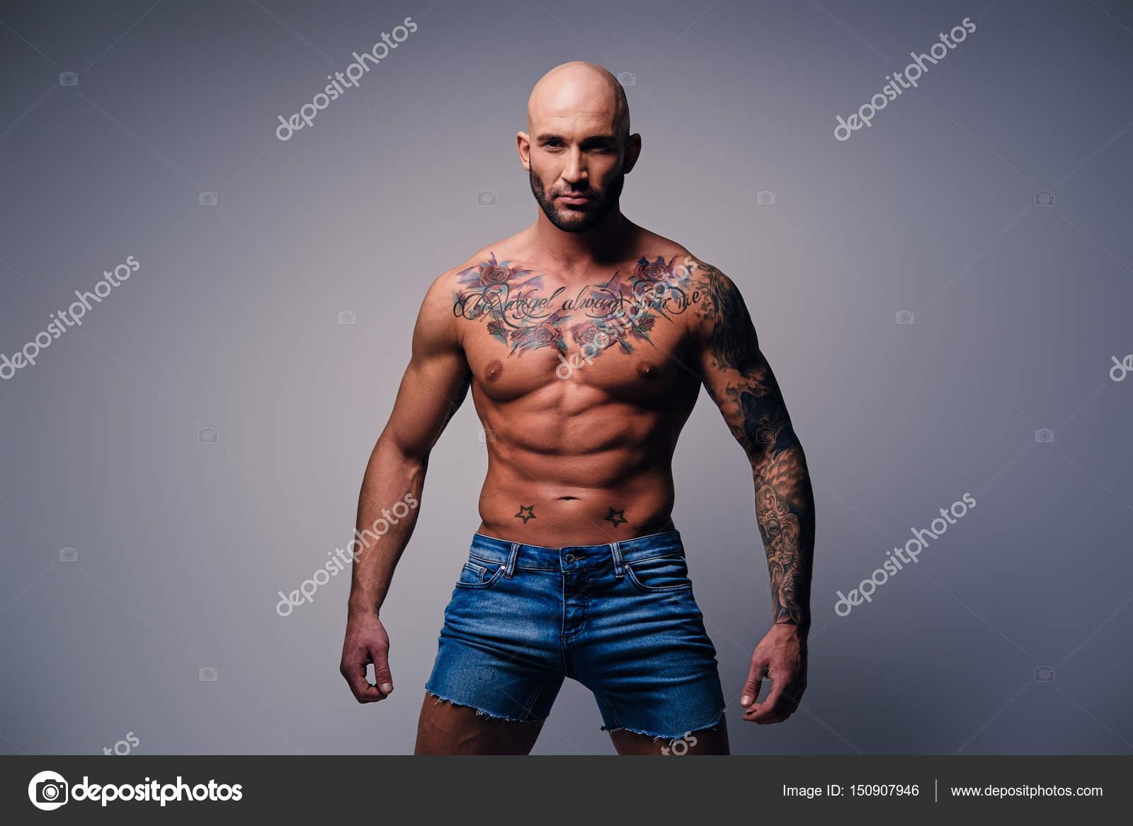 Modele tatouage homme torse galerie tatouage - Photo tatouage homme ...