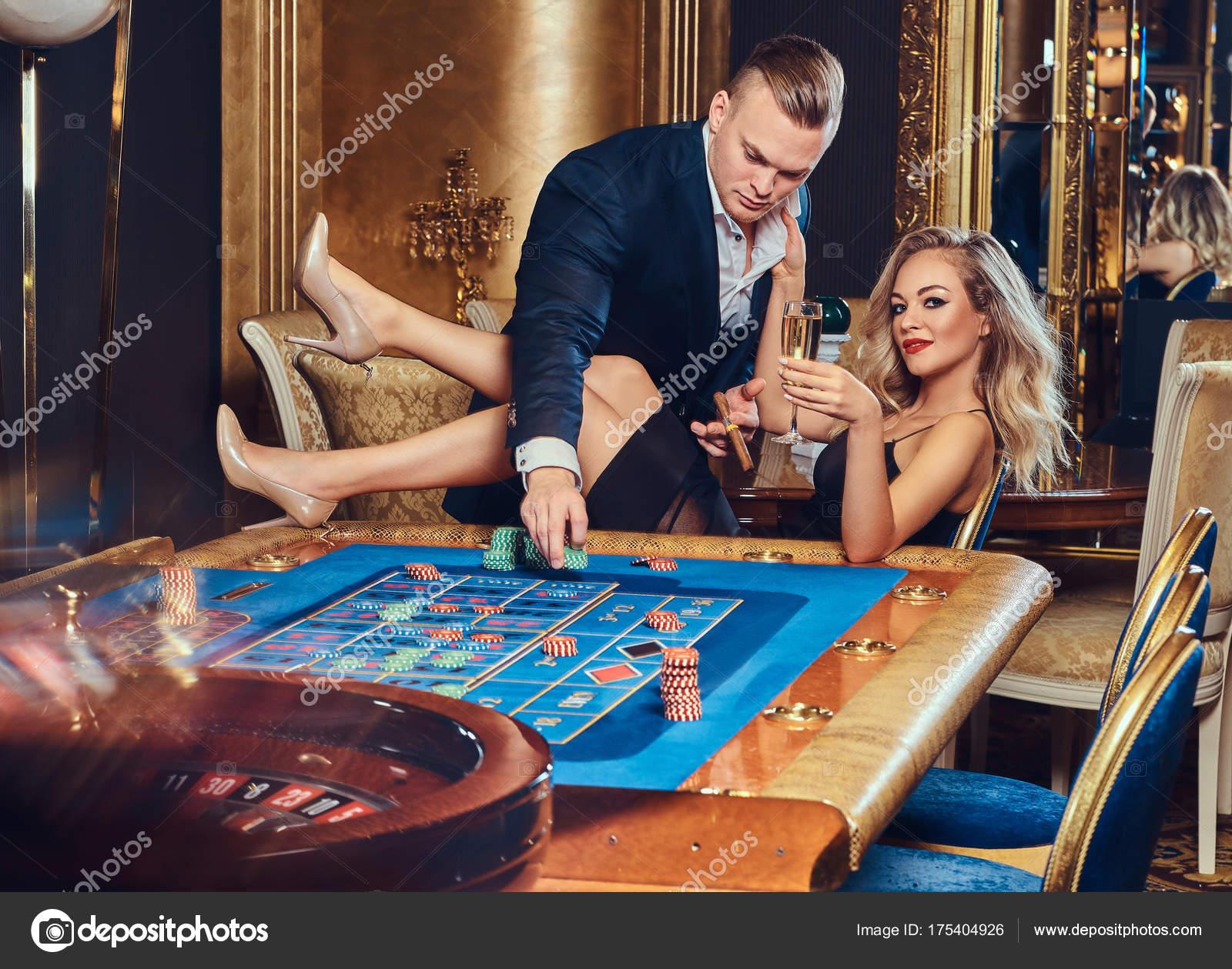 Сексуальная игра для мужчин и женщин