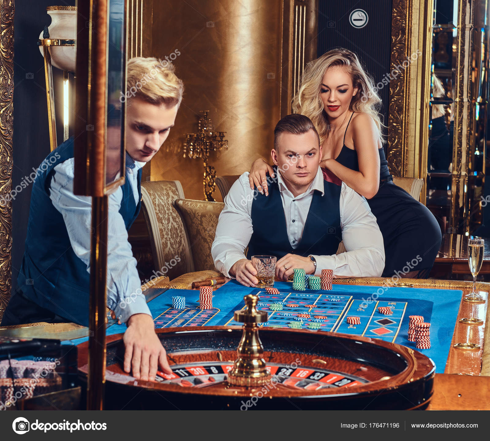 Croupier Playing Roulette Elegant Male Attractive Blond Female Casino Stock  Photo by ©fxquadro 176471196
