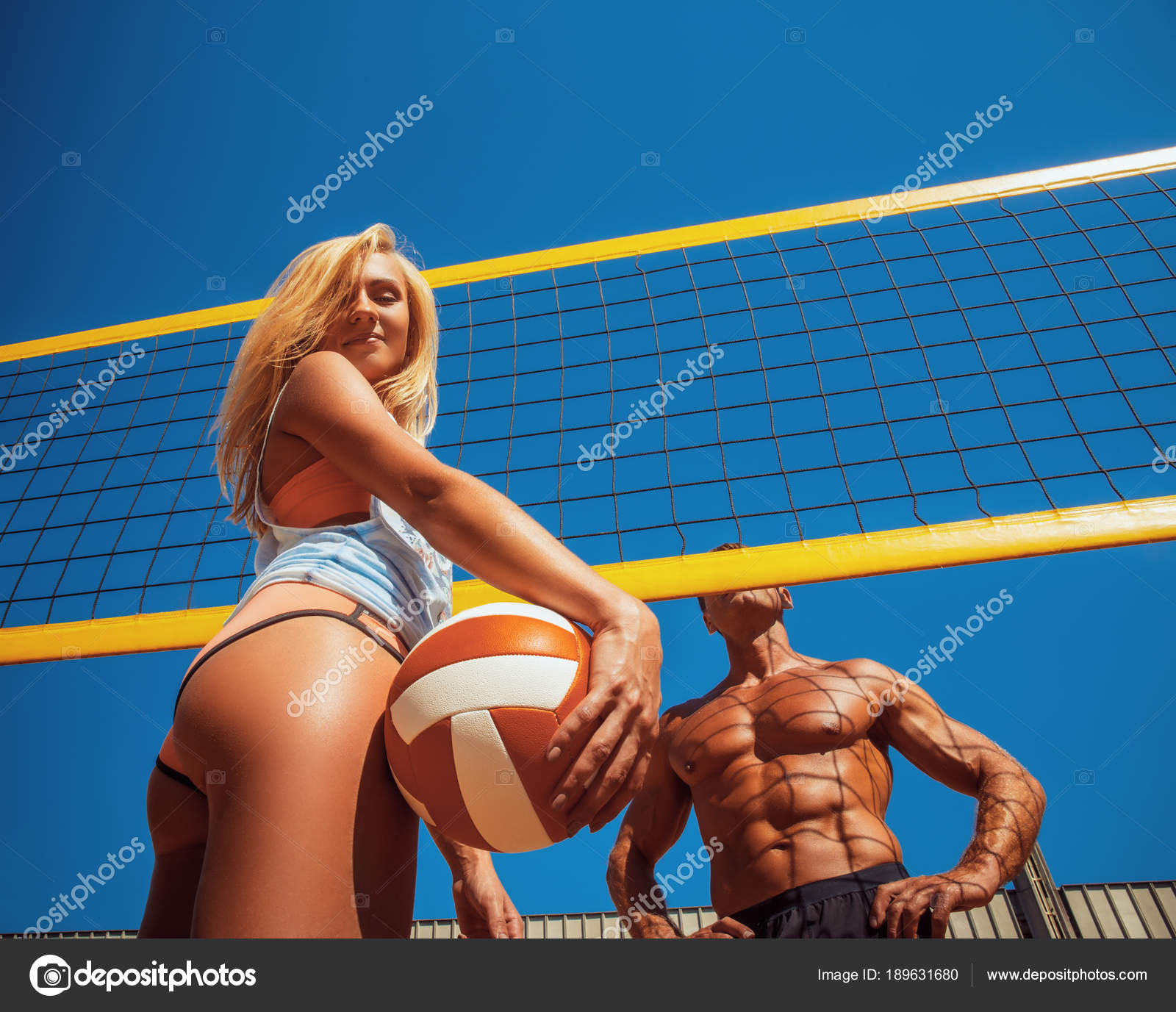 Sports Couple Handsome Muscular Tanned Male Sexy Tanned Blonde Girl — Stock  Photo