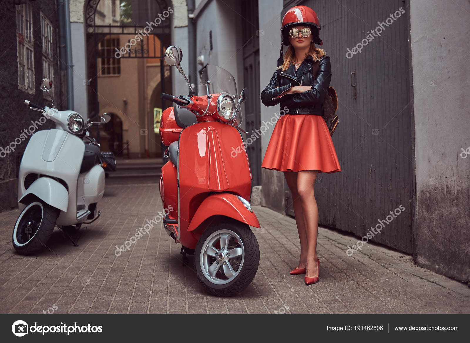 2019 year for lady- Helmet scooter stylish