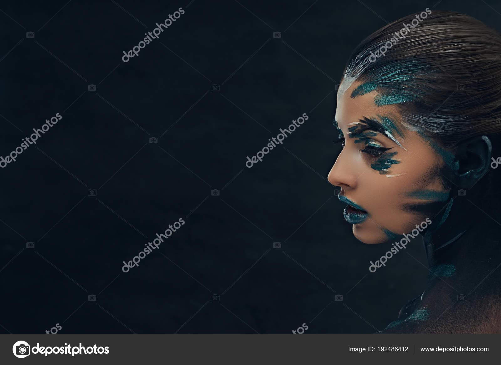Пизда и лицо девушки на одном фото Частное фото 4