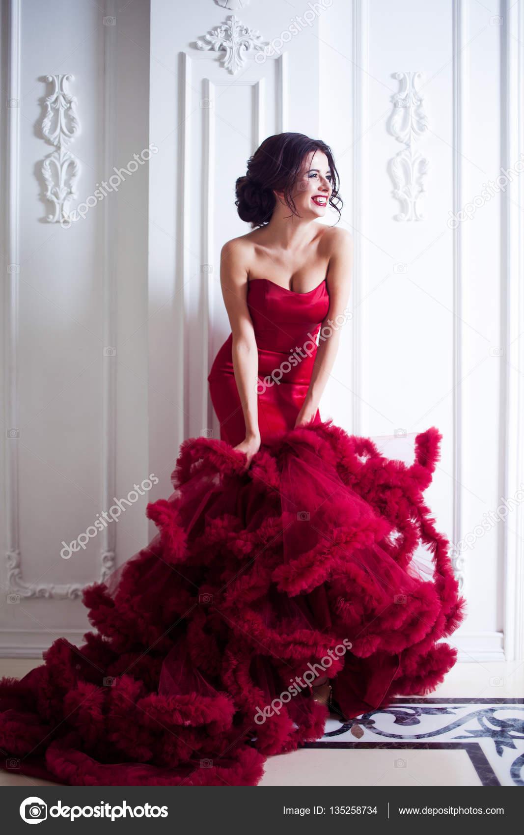 Piel Morena Con Vestido Rojo Vestido De Mujer Belleza