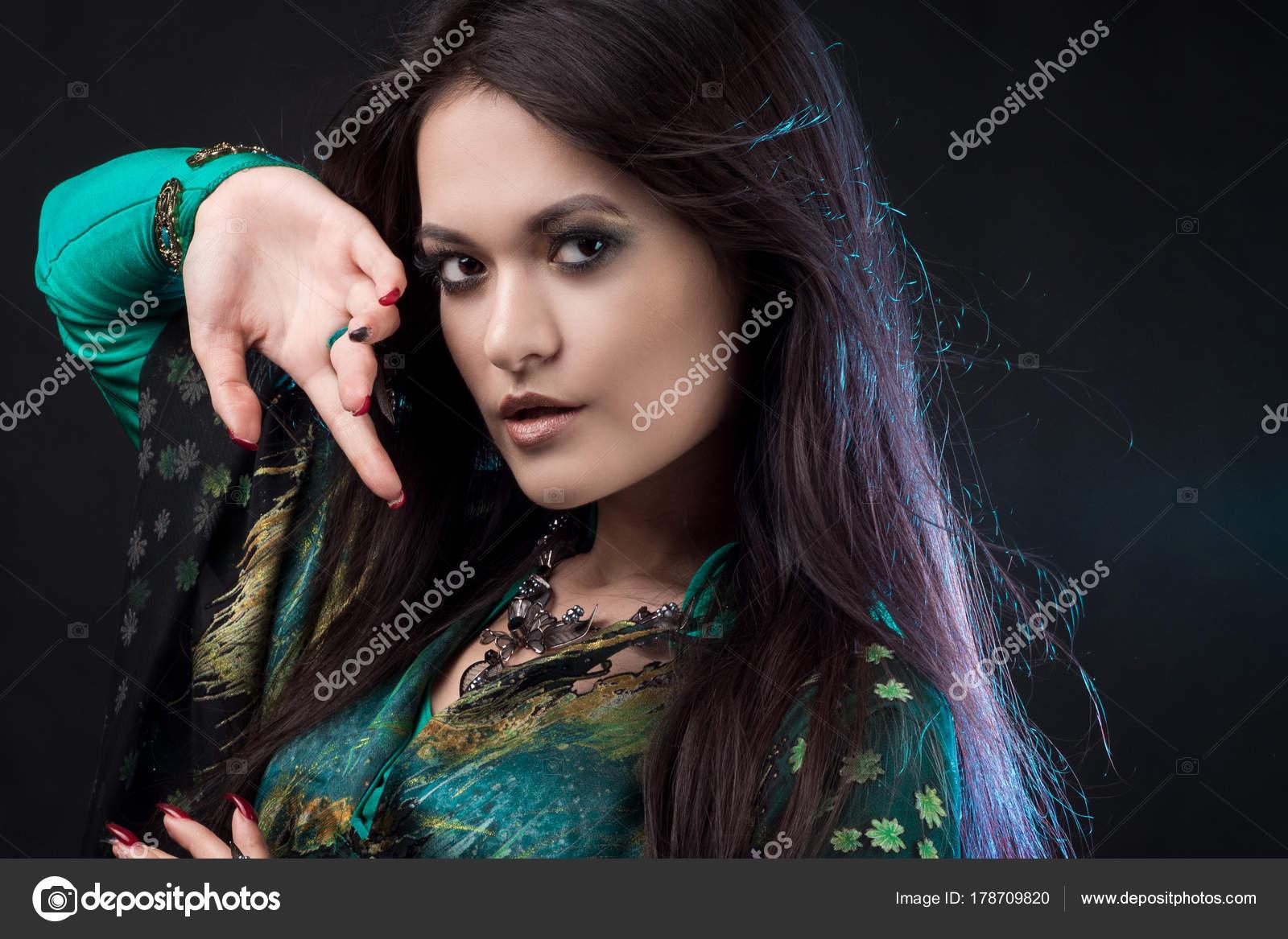 Красивый девушки востока