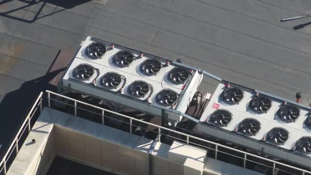 Supply and exhaust ventilation, air conditioning unit for climate control on the roof