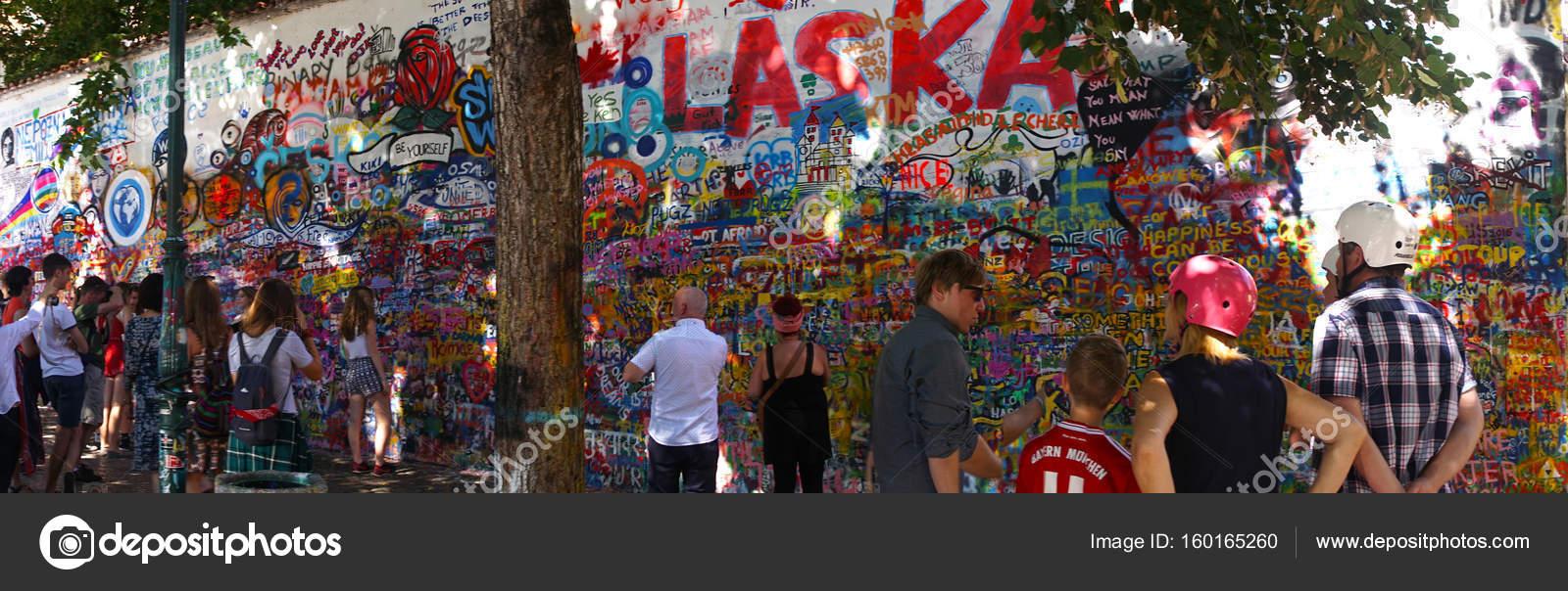 Lennon-Mauer, Symbol der Prager Widerstand — Redaktionelles ...