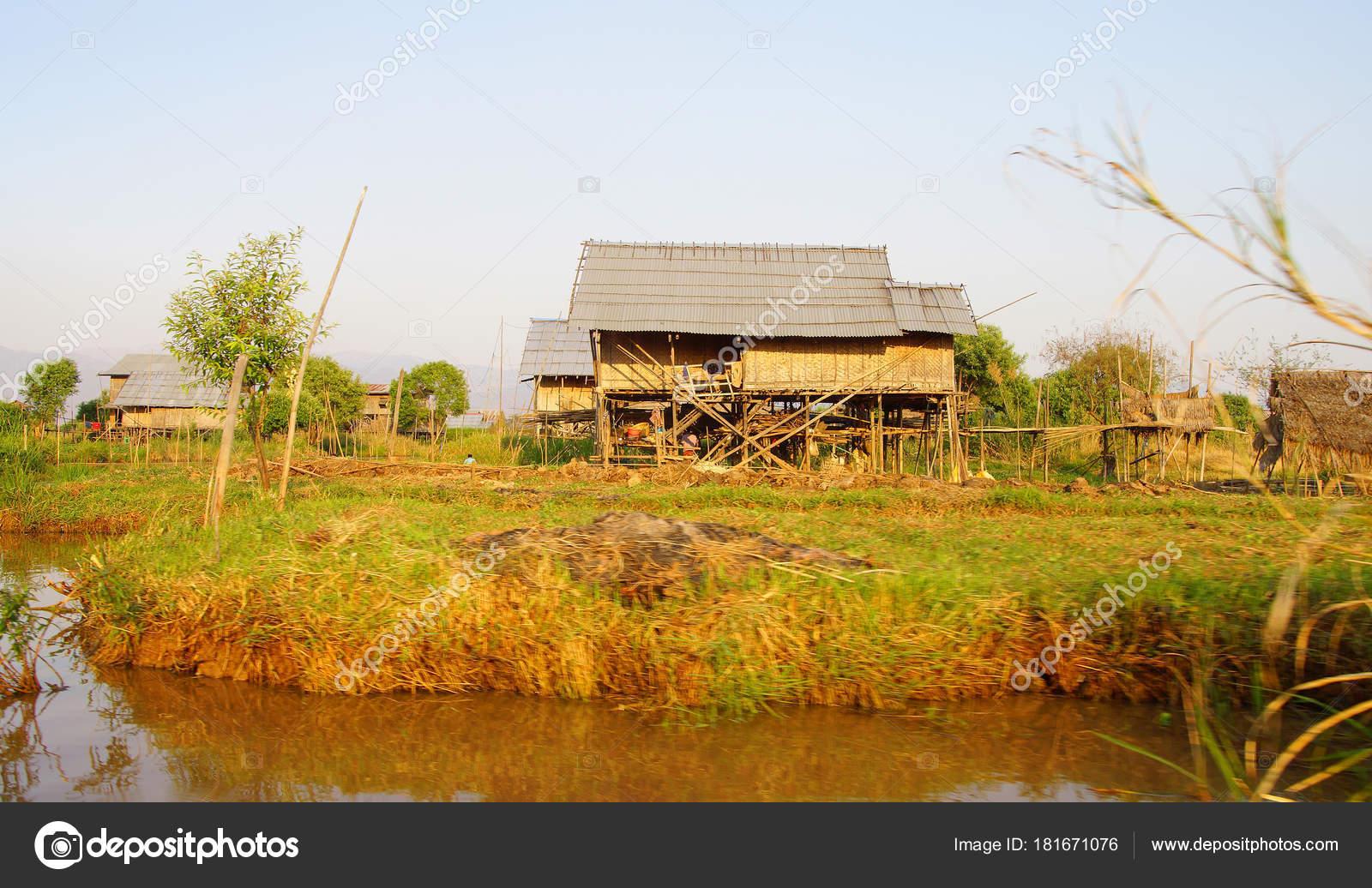 Schön Haus Auf Stelzen Sammlung Von Traditionelle Shan- In Hsipaw Inle-see — Stockfoto