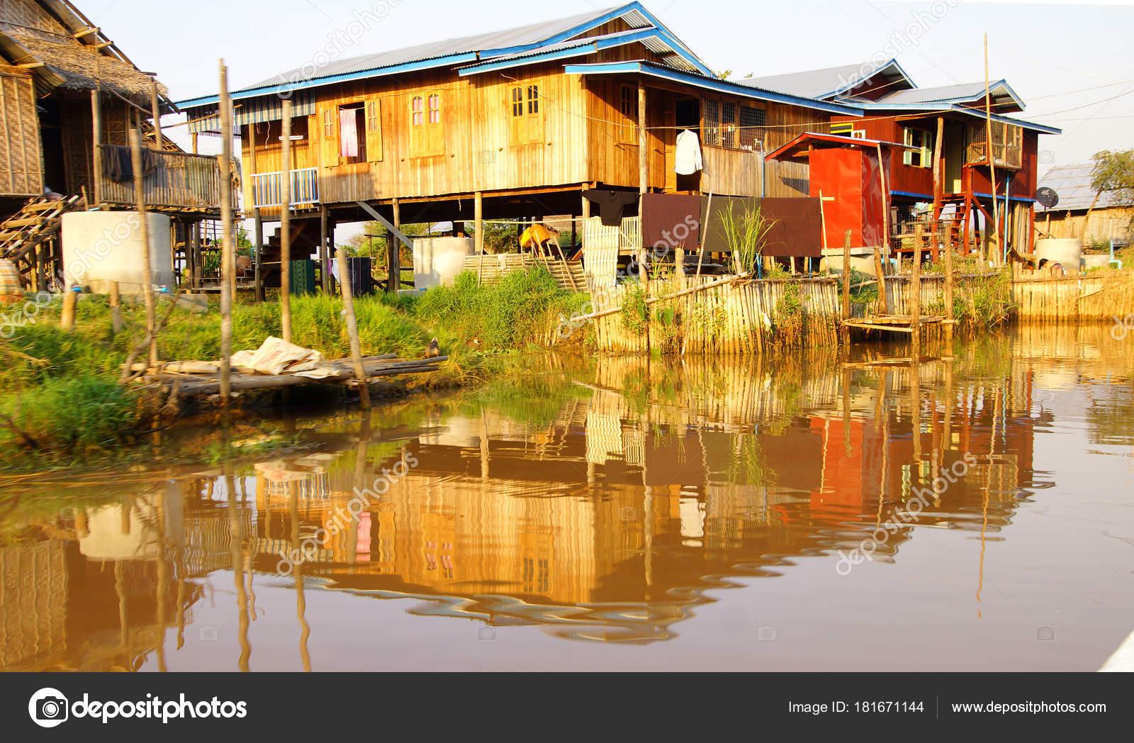Elegant Haus Auf Stelzen Das Beste Von Traditionelle Shan- In Hsipaw Inle-see — Stockfoto