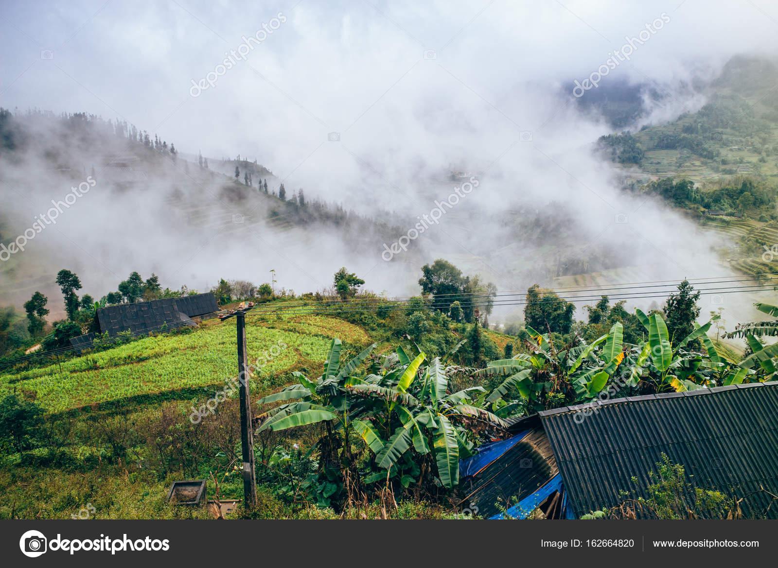 9da293088 Sapa, al norte de Vietnam — Foto de stock © sabinoparente #162664820